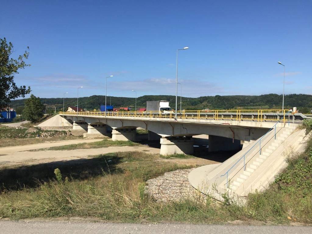 Largire la 4 Benzi de Circulatie DN73 – Pod km 10.638 peste Raul Doamnei